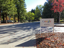 Google undertecknar in Mountain View Arkivbild