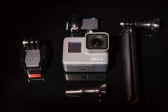 GoPro英雄5与三脚架的行动照相机 图库摄影