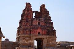 Gopuram del templo antiguo Vittala foto de archivo
