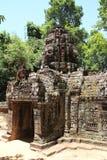 Gopuram occidental au som de ventres dans Angkor Photographie stock libre de droits