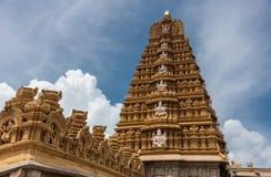 Gopuram y Mandapam del templo de Sri Srikanteshwara Foto de archivo libre de regalías