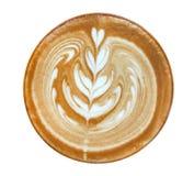 Gorącego kawowego cappuccino latte sztuki kwiatu kierowego kształta odgórny widok odizolowywający na białym tle, ścinek ścieżka fotografia royalty free