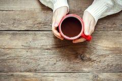 Gorąca czekolada w rękach Fotografia Royalty Free