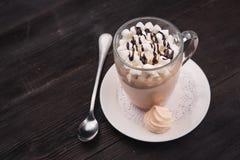Gorąca kawa z marshmallow Obrazy Royalty Free