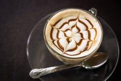 Gorąca latte sztuki kawa (Filtrujący wizerunek przetwarzający rocznik Fotografia Royalty Free
