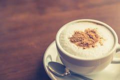 Gorąca latte sztuki kawa (Filtrujący wizerunek przetwarzający rocznik Obrazy Stock