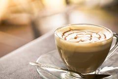 Gorąca latte sztuki kawa (Filtrujący wizerunek przetwarzający rocznik Obraz Royalty Free