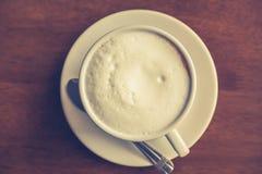 Gorąca latte sztuki kawa (Filtrujący wizerunek przetwarzający rocznik Zdjęcie Stock