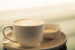 Gorąca latte sztuki kawa (Filtrujący wizerunek przetwarzający rocznik Obraz Stock