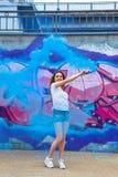 Gorąca swag dziewczyna z z błękitną dymną bombą zdjęcia royalty free