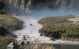Gorąca zatoczka, Ciepły Wodny strumień w Mono okręgu administracyjnym, Kalifornia Obrazy Royalty Free