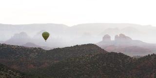 Gorące powietrze balonu przejażdżka w Sedona Obraz Stock