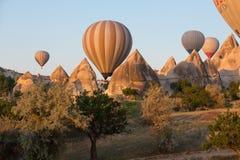Gorące Powietrze Baloon nad Cappadocia zdjęcie royalty free