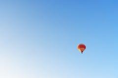 Gorącego powietrza balonowy latanie nad doliną cappadocia indyk Fotografia Royalty Free