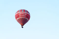 Gorącego powietrza balonowy latanie nad doliną cappadocia indyk Zdjęcie Stock