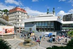 Gorącej wiosny kolumnada w zdroju grodzki Karlovy Zmienia, Zachodnia cyganeria, republika czech fotografia royalty free
