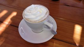 Gorący Śmietankowy Cappuccino obraz royalty free