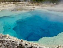 Gorący baseny Yellowstone park narodowy z kontrparą Obraz Stock