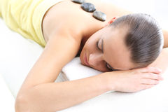 Gorący kamienny masaż, termoterapia, drenaż, acupressure zdjęcie stock