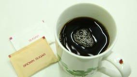 Gorący kawy i unosić się bąble zdjęcie wideo