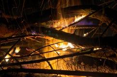 Gorący ogień przy nocą Obraz Royalty Free