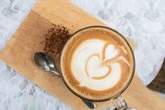 Gorąca Latte sztuki kawa Fotografia Royalty Free