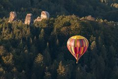 Gorące powietrze balon nad Artystycznym rajem zdjęcia royalty free