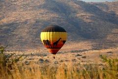 Gorące powietrze balon w Pilanesberg parku narodowym Obrazy Stock