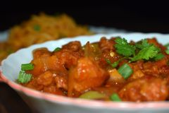 gorący korzenny chili kurczak i szechuan kluski obraz stock