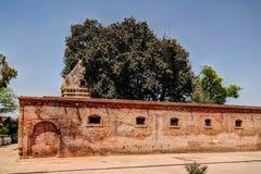 Gorakh Nath Temple no local histórico de Gor Khuttree, parque Peshawar de Tehsil, Paquistão Imagem de Stock