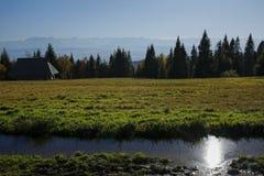 Gorce和Tatra山,波兰秋天风景  库存照片