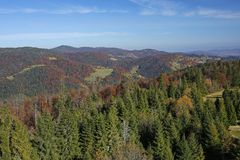 Gorce山美好的秋天风景  免版税图库摄影