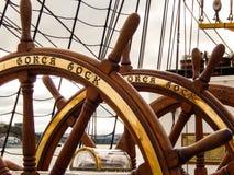 Gorch Fock德国军舰stearing的轮子 免版税库存照片