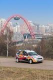 Gorchakov i Kozlov w bieżnym samochodzie na Zlotnych mistrzach Pokazujemy zdjęcie royalty free