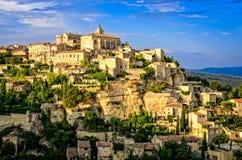 Gordes中世纪村庄日落视图,法国 免版税图库摄影