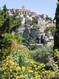 Gordes - une ville de sommet dans les Frances Photos stock