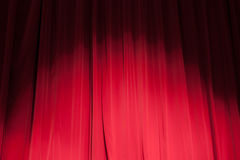 Gordijn van het theater met een schijnwerper Stock Foto