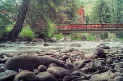 Gore Creek in Vail, Colorado Stock Foto's