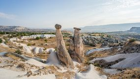 Goreme by, Turkiet Lantligt Cappadocia landskap Stenhus av Cappadocia Royaltyfria Bilder