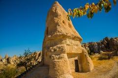 Goreme, Zemi-Vallei, Cappadocia, Anatolië, Turkije: De kerk van Gr Nazar Één van de mooiste rotskerken in Zonnig weer binnen royalty-vrije stock foto