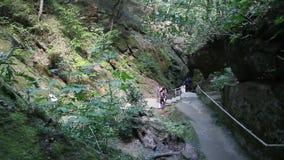 Gorge de Dantovo à proximité de la ville de Goryachiy Klyuch, Krasnodar Krai, Russie clips vidéos