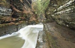 Gorge de Treman et passage couvert de pierre images stock