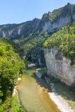 Gorge du le Tarn, village Photographie stock libre de droits
