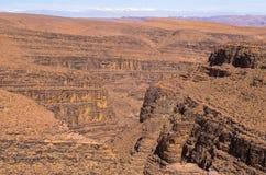 Gorge profonde sur le désert marocain Photographie stock libre de droits