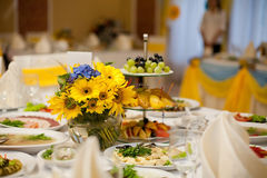 Gorgeous wedding decor on table Royalty Free Stock Photography