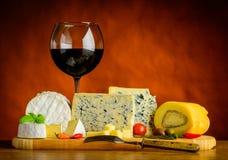 Gorgonzola e vino rosso Fotografia Stock Libera da Diritti