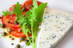 gorgonzola sałatkowy plasterka pomidor zdjęcia royalty free