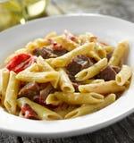 Gorgonzola van het lapje vlees deegwarenschotel Stock Afbeeldingen
