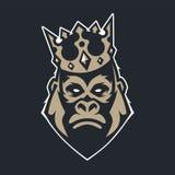Gorilla nell'icona di vettore della mascotte della corona royalty illustrazione gratis