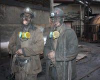 Gorlovka Ukraina - December 10, 2012: Gruvarbetare efter arbetsförskjutning royaltyfri foto